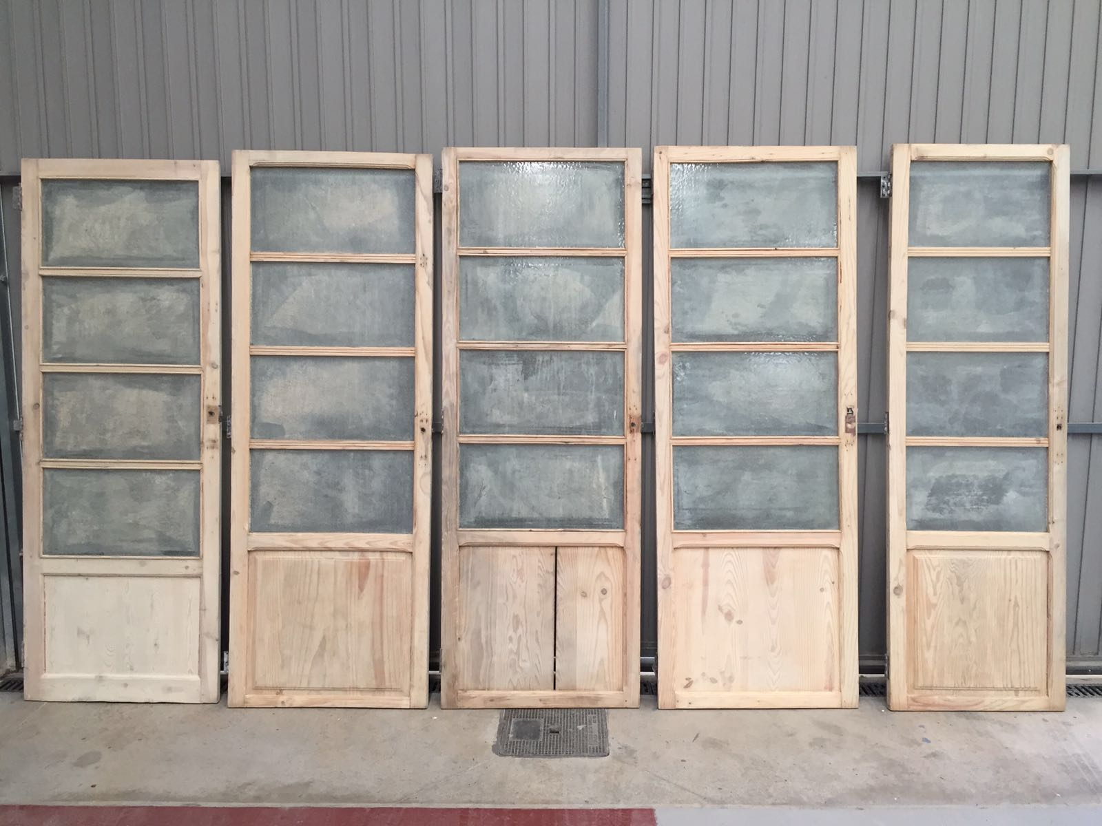 Decapados valencia for Pintar puertas de madera viejas