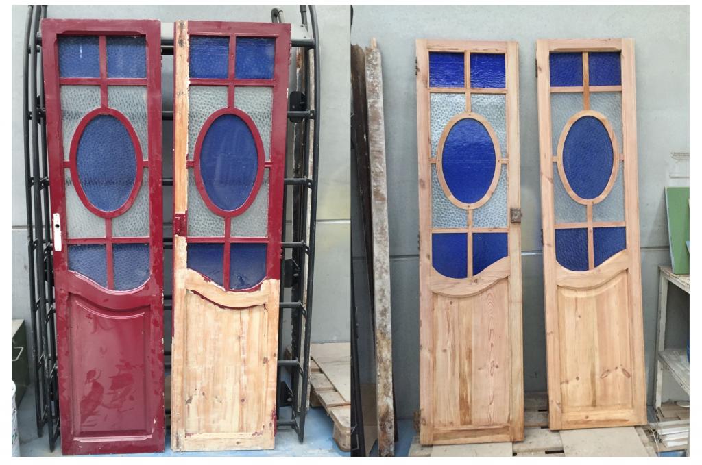 decapado de puertas de madera antigua para restaurar